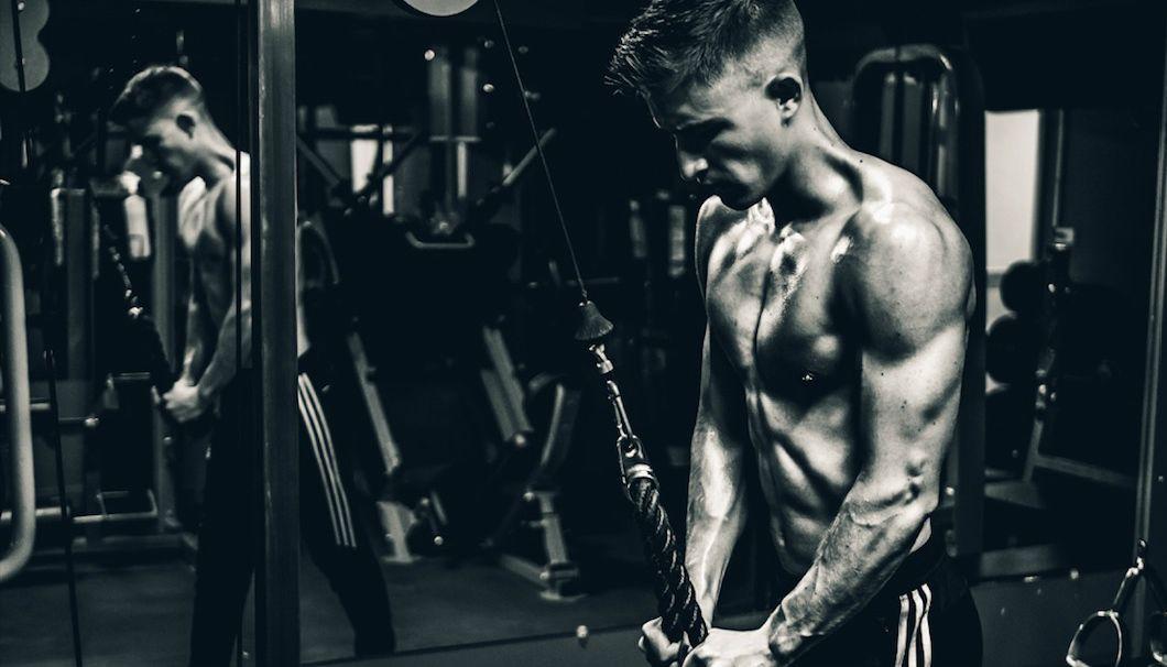 Vloeken-sporten-fitness-helpt