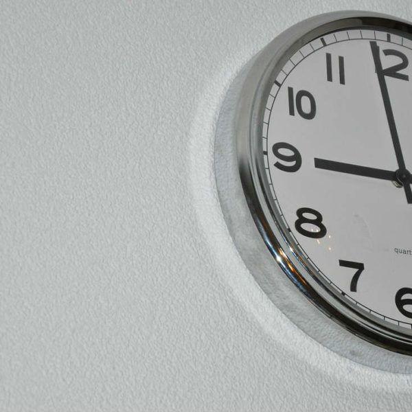 Waarom-klok-langzaam-loopt