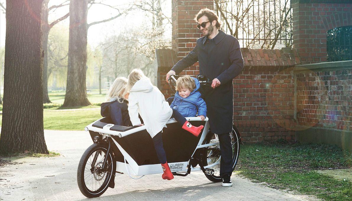 Vervoer je kinderen nóg makkelijker met deze elektrische bakfiets