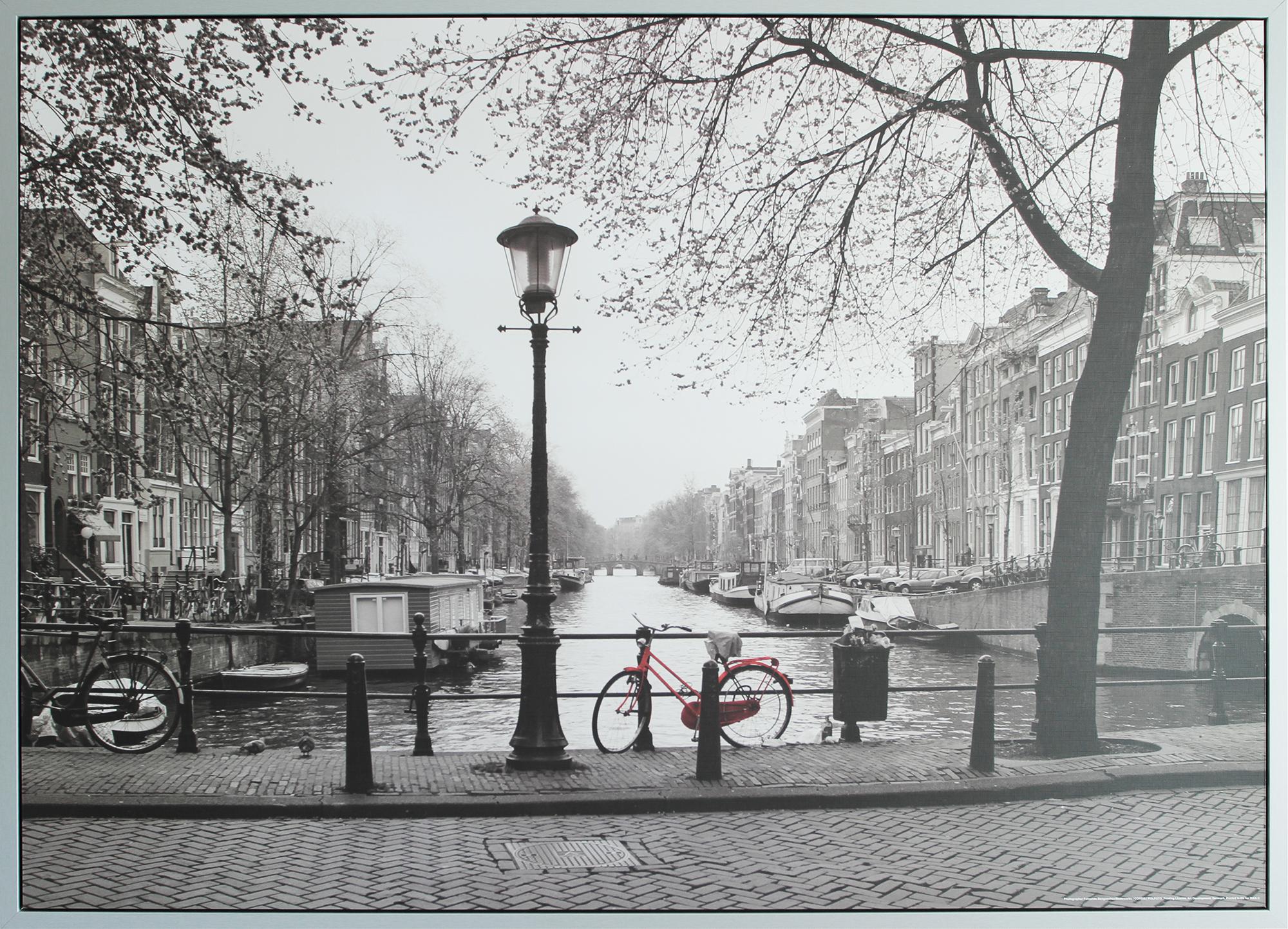 Ikeafoto van Amsterdamse gracht onder de loep